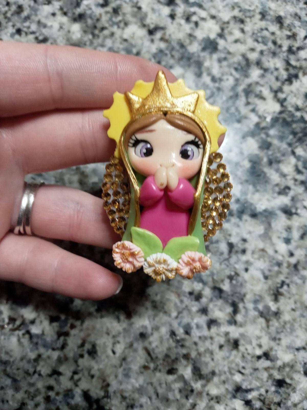 Pop socket Virgin Mary