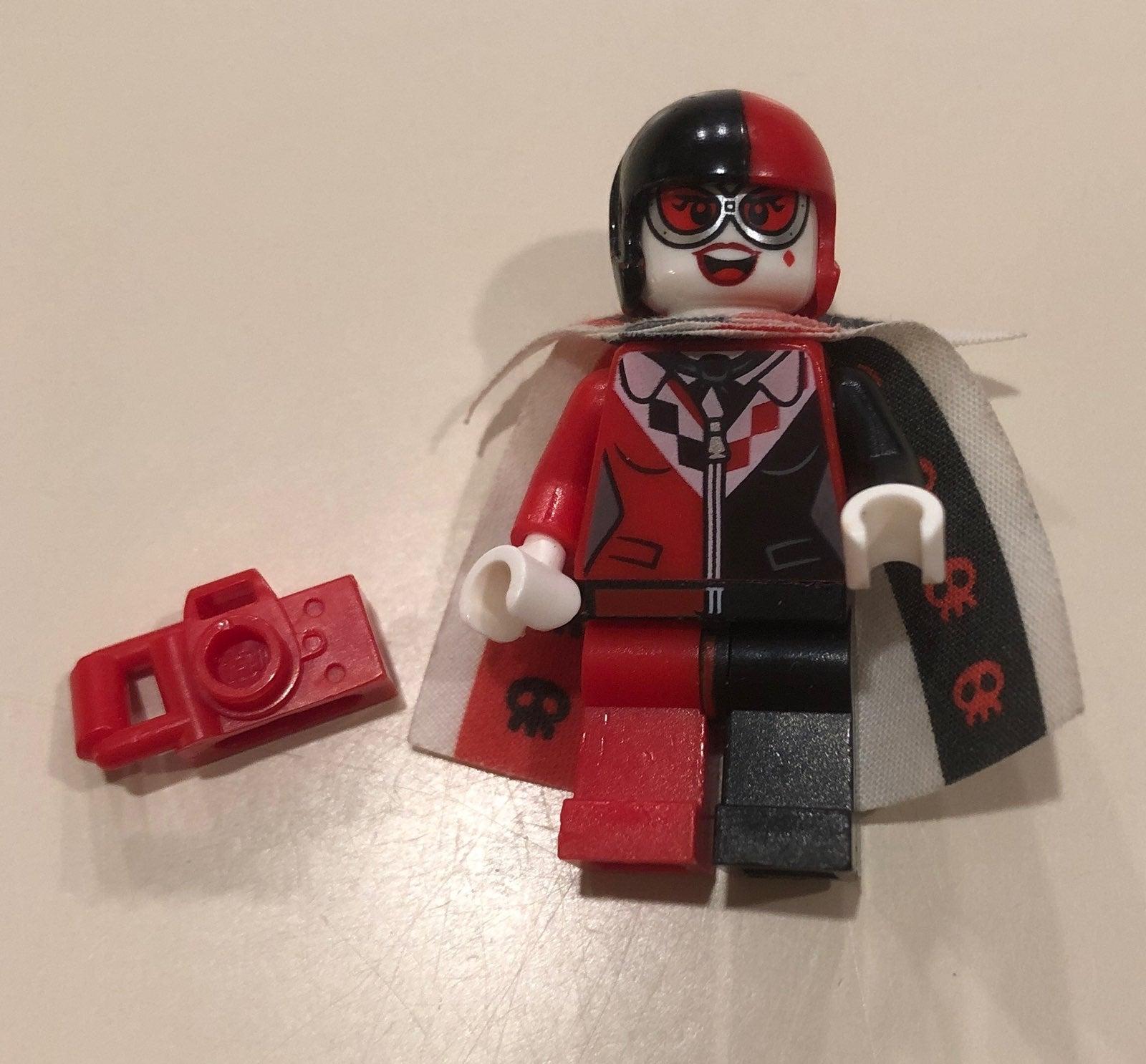 Lego Minifigure Harley Quinn 70921