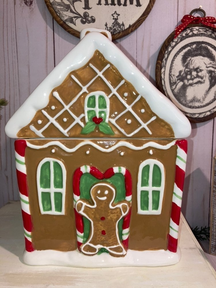 GIngerbread House Inspire on Rae Dunn