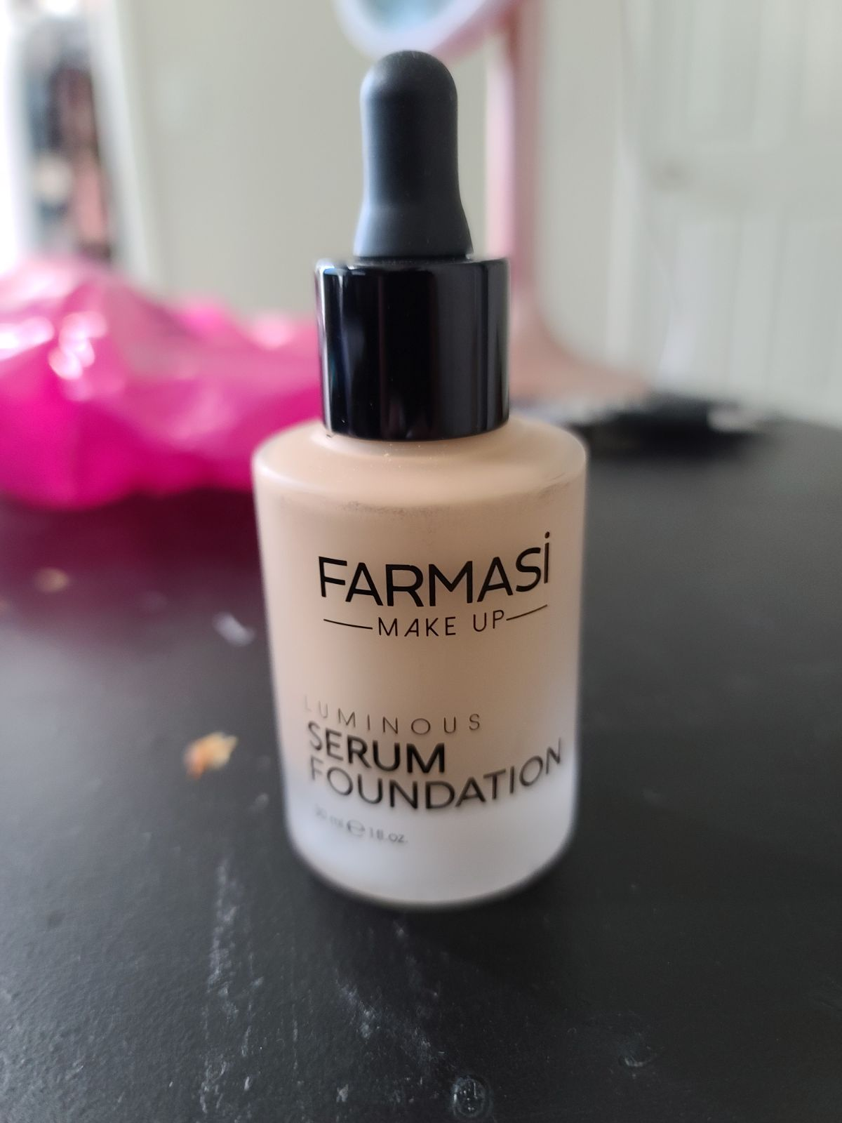 Farmasi Serum Foundation