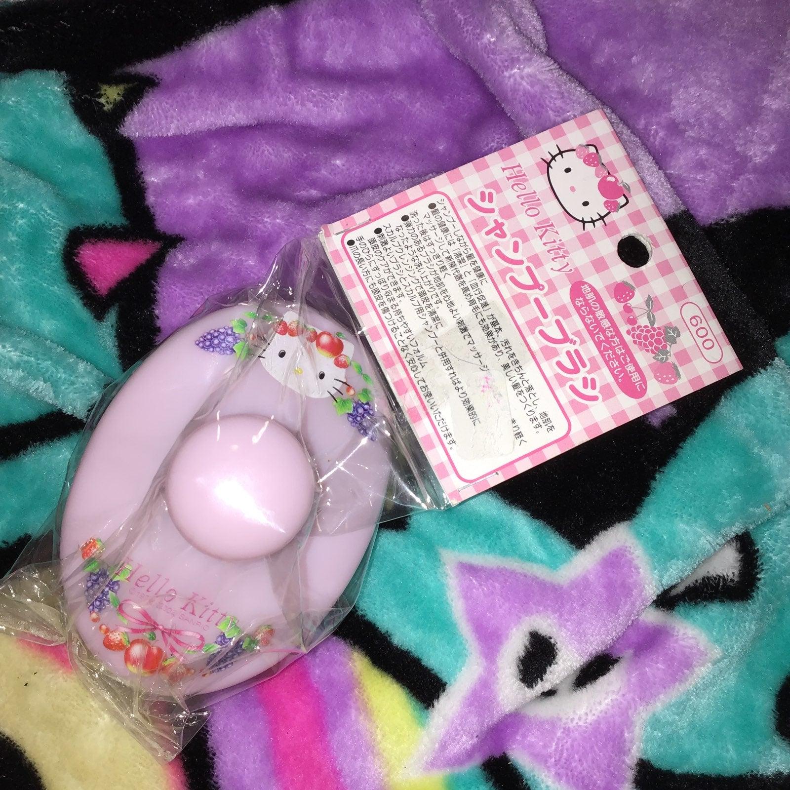 Sanrio hello kitty shampoo brush