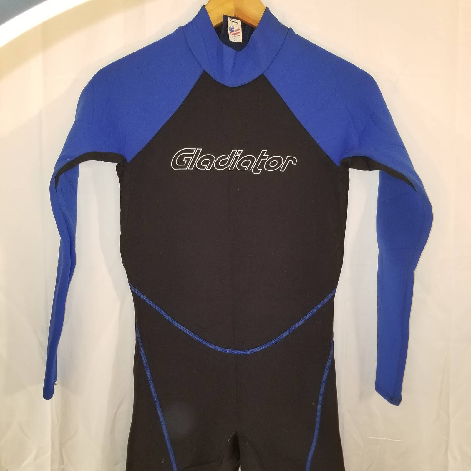 Gladiator Wet Suit Size Small