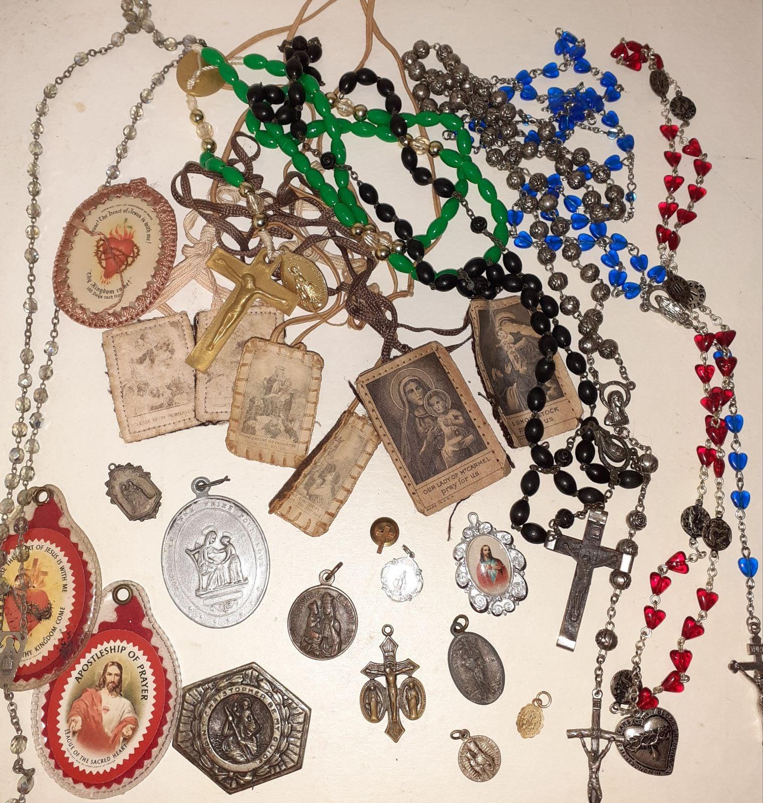 Catholic Rosarys Relics Saint Pendants