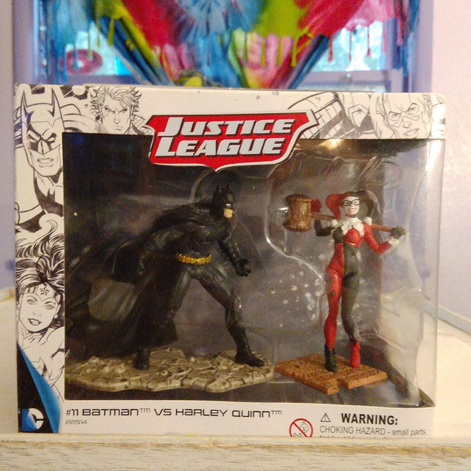 JUSTICE LEAGUE #11 BATMAN & HARLEY QUINN