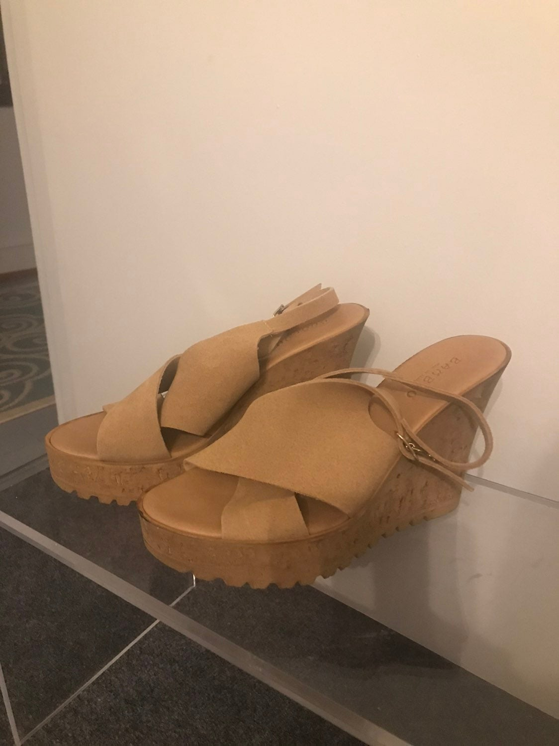 NEW BAMBOO Wedge Sandals 8