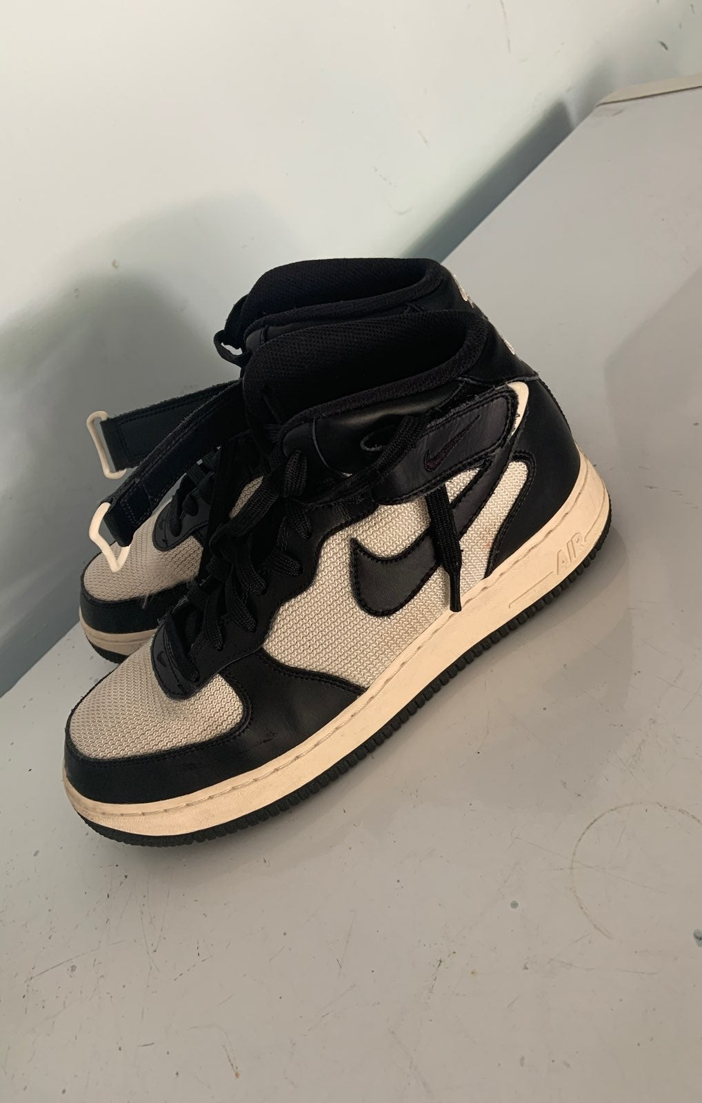 airforce 1 black and white
