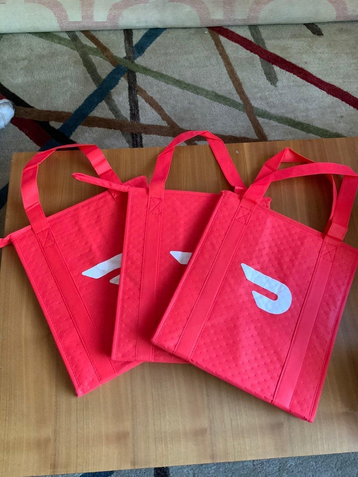 Lot of 3 doordash insulated zipper bags