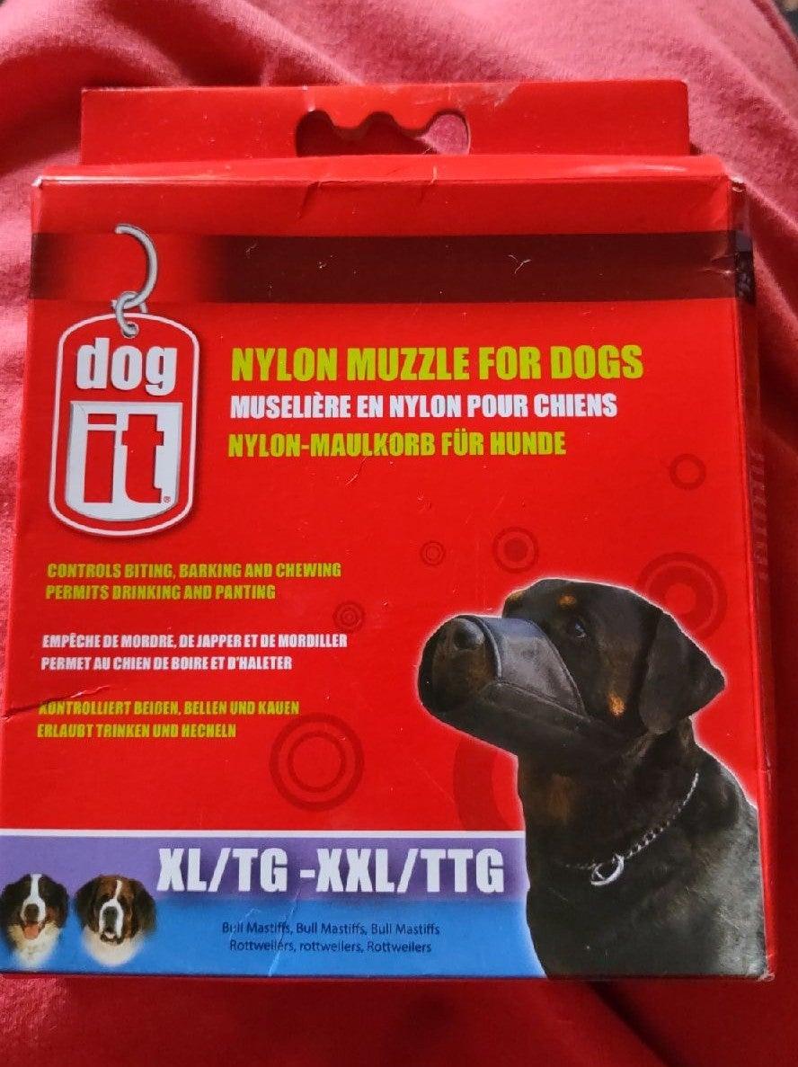 Nylon muzzle for dogs