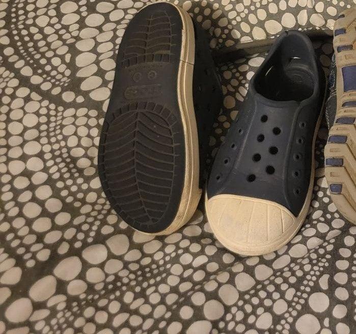 3 pairs bundle toddler shoes size 7/8