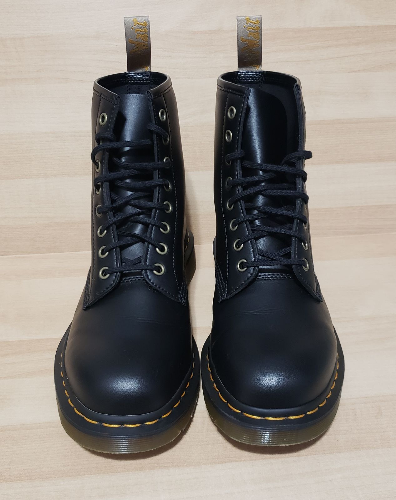 Dr Martens 1460 Vegan mens 10 Black boot