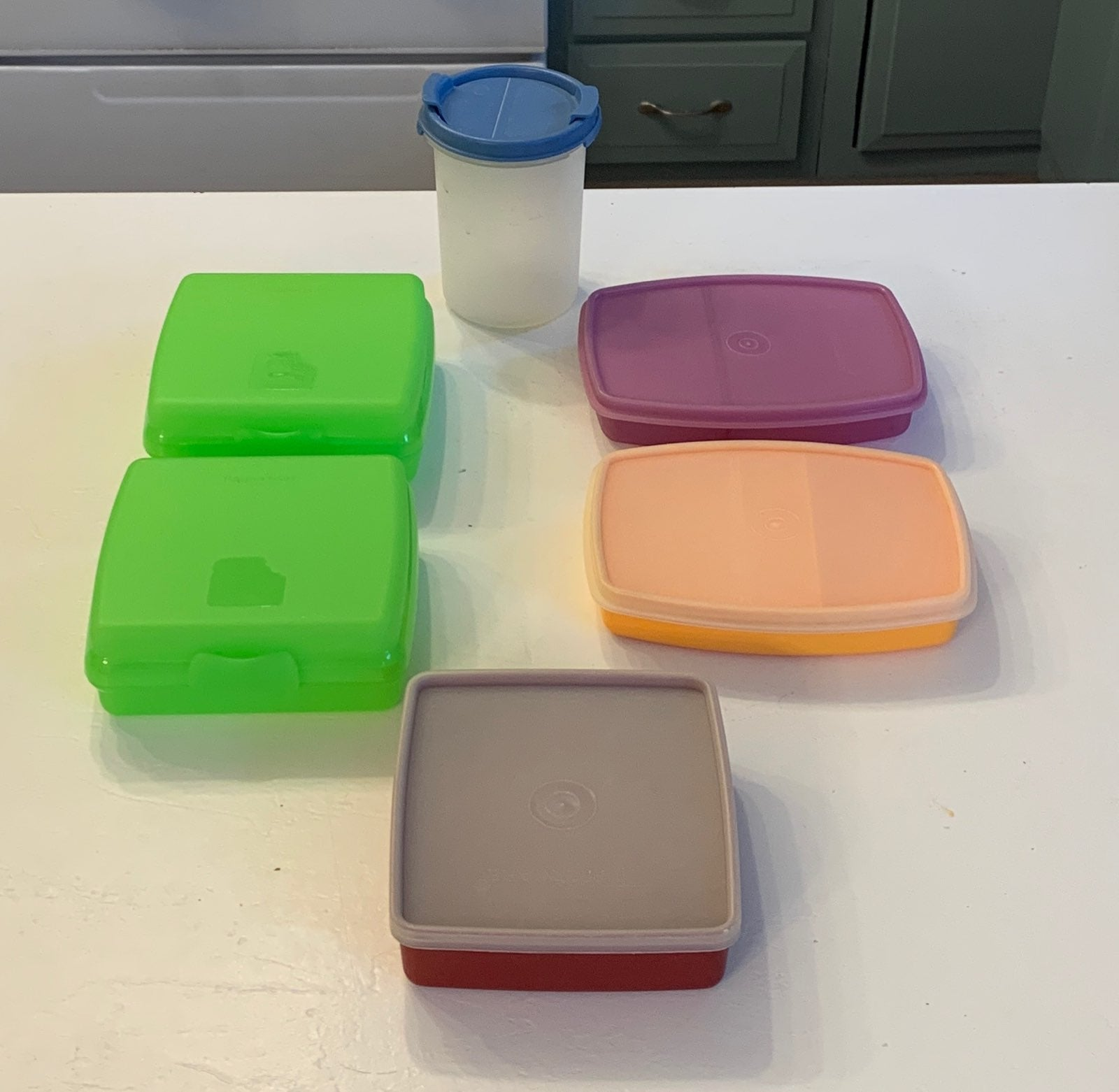 Tupperware 6 Piece Lunch Keepers
