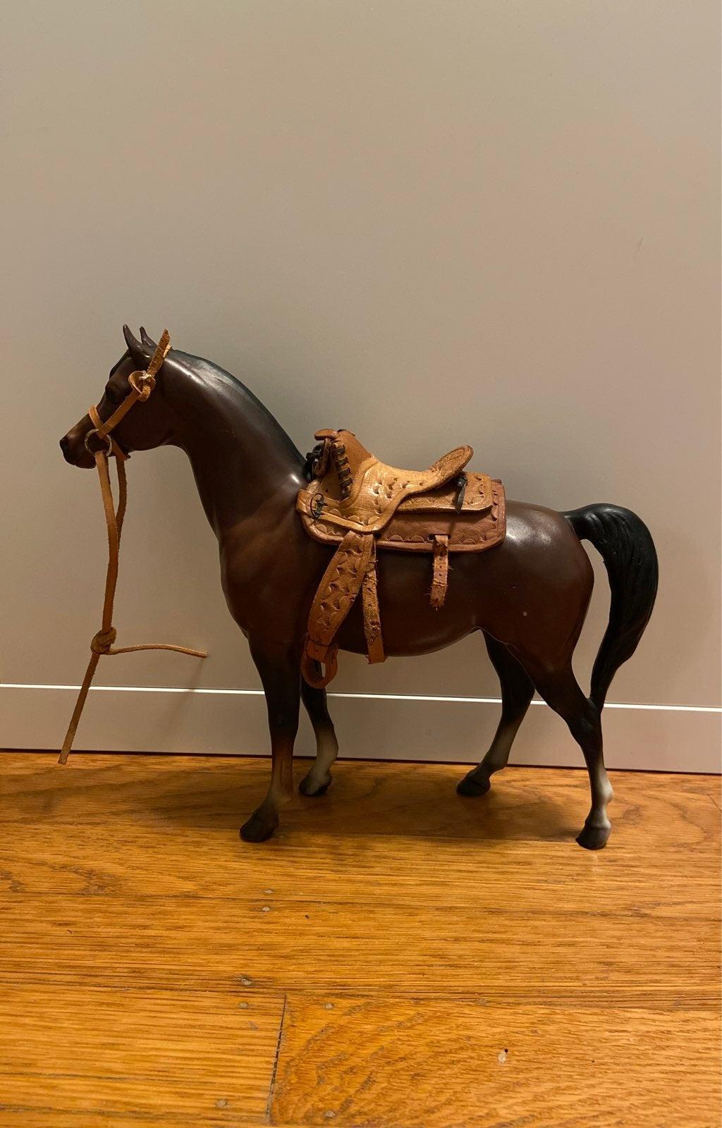 Model horse saddle & bridal