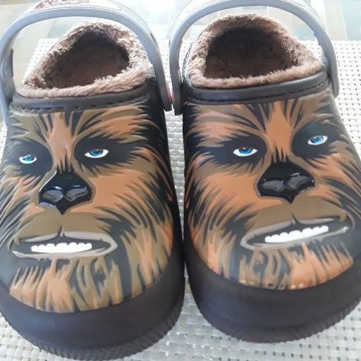 fuzz_lined chewbacca clog c10 size
