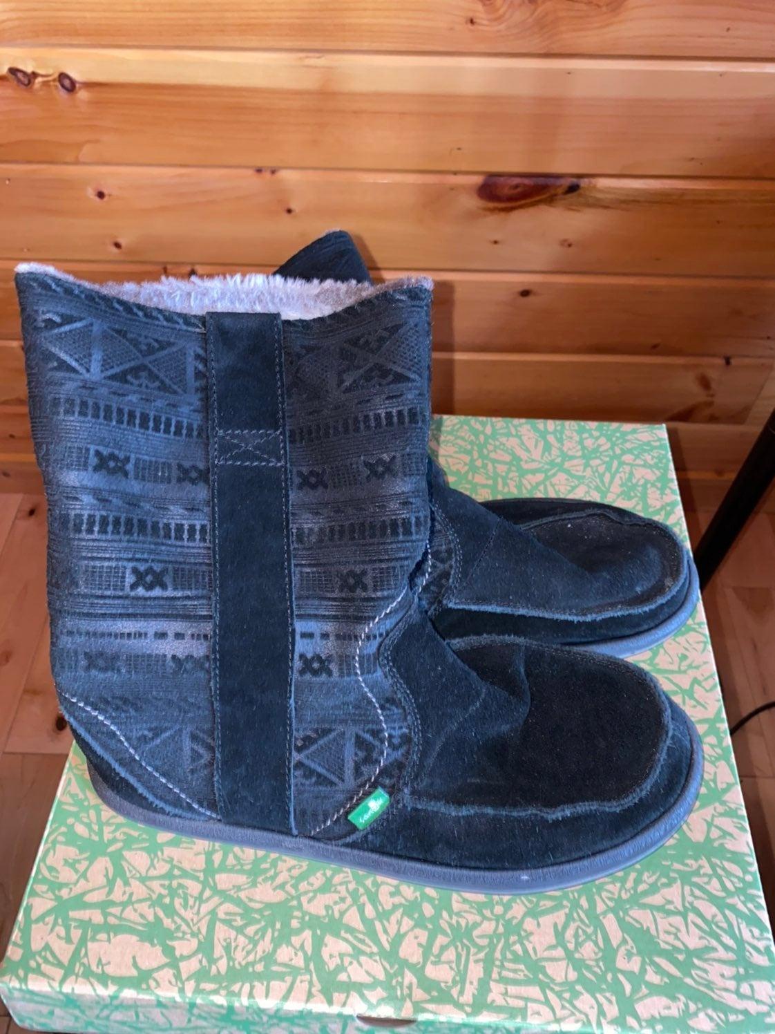 Sanuk Wanderer Primo Boots Size 9