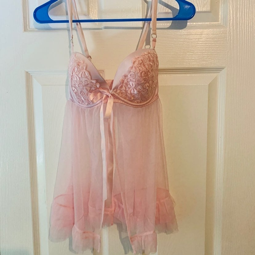 victoria secret lingerie size small