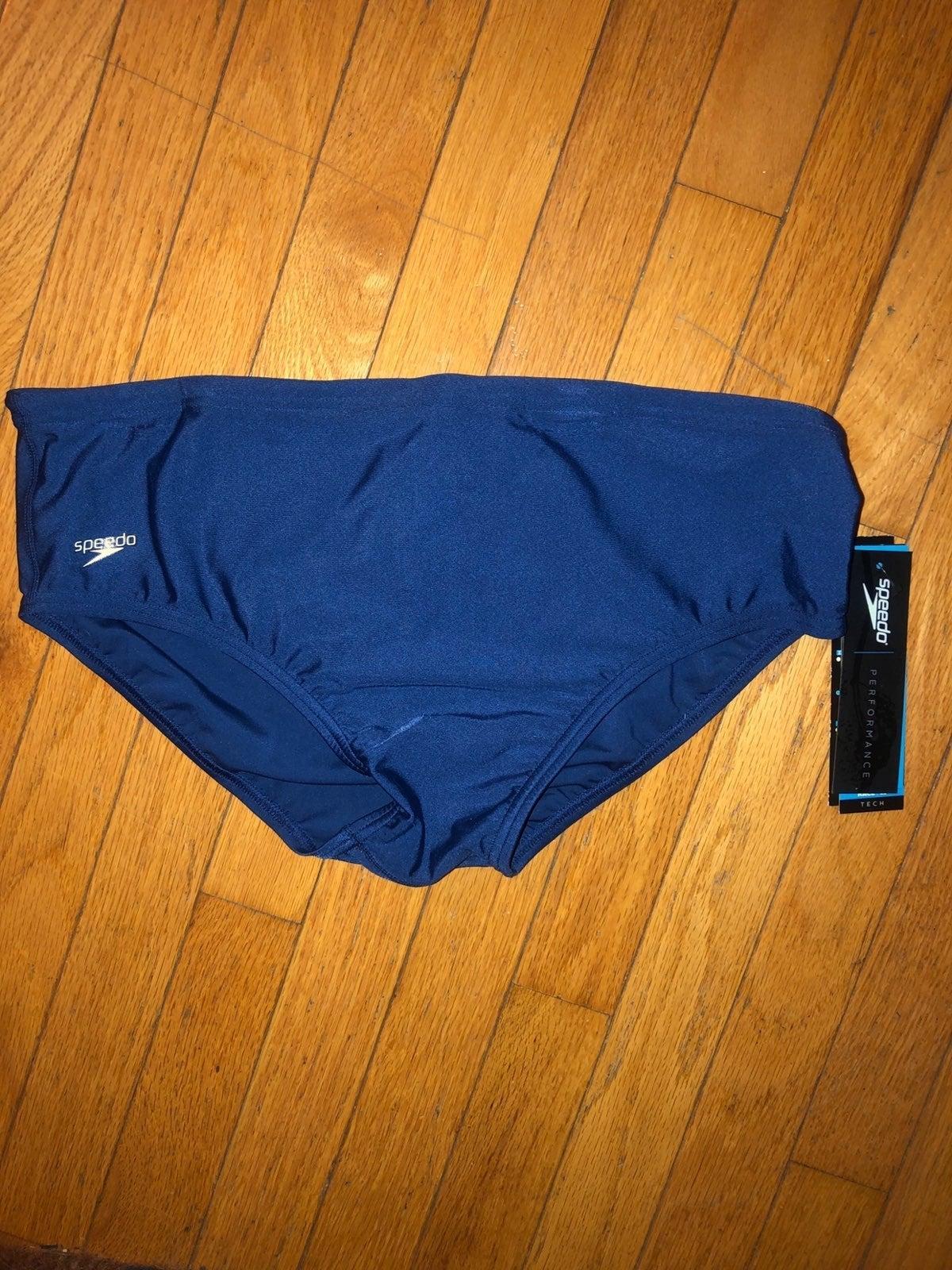 Brand New Men's Navy blue sz 40 Speedo s