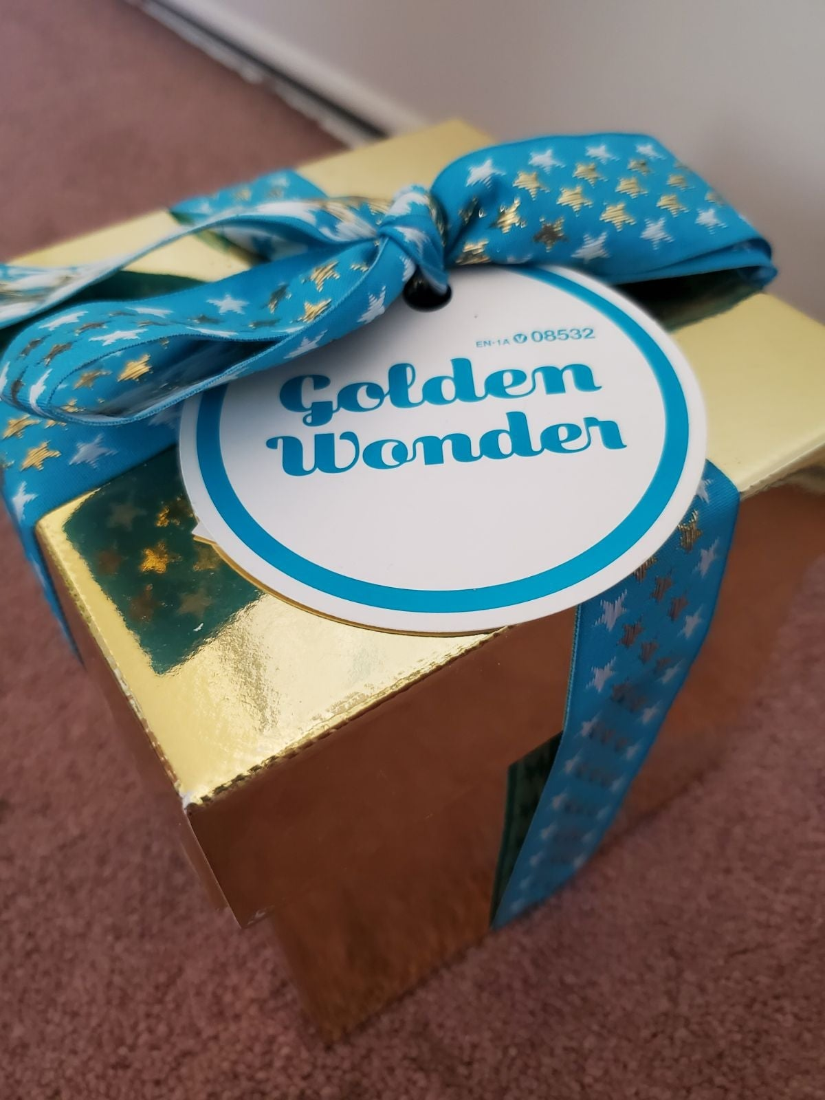 LUSH Golden Wonder Gift Box