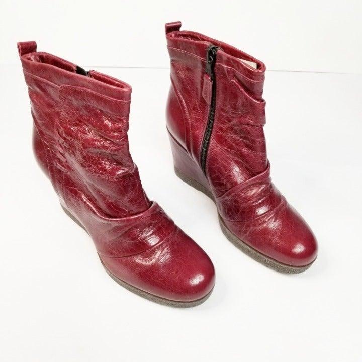 Miz Mooz Size 38 Ruby Leather Ruched Wed