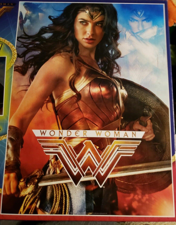 Buffalo Wonder Woman Glow in the Dark 10