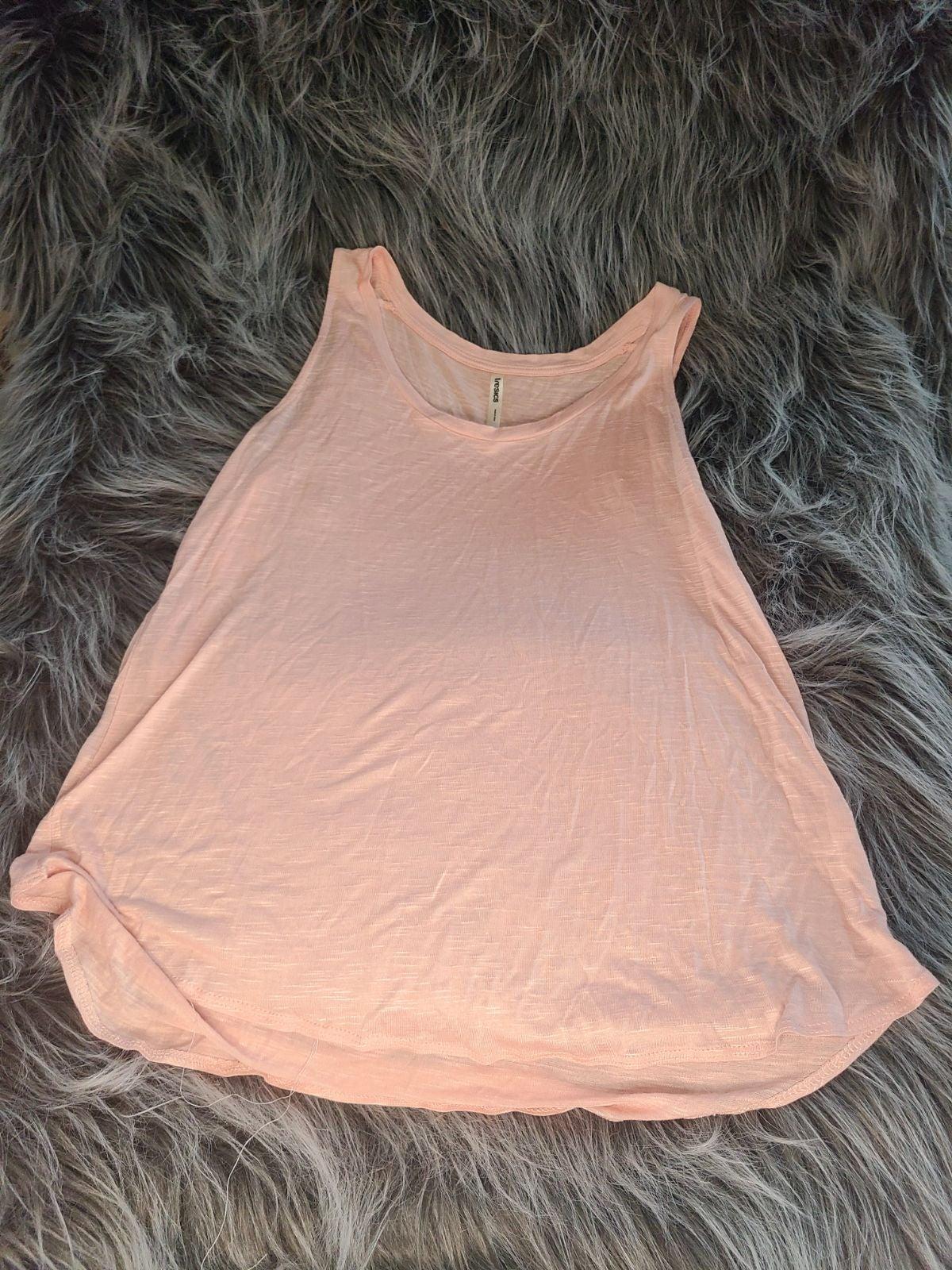 Tresics medium pink sleeveless top