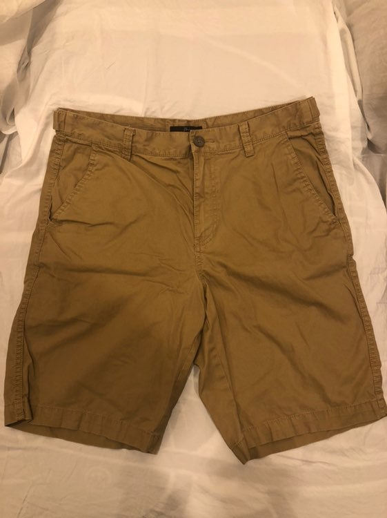 MARC ANTHONY khaki mens shorts size 32