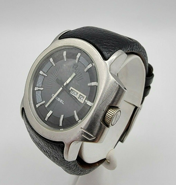 Men's Diesel DZ-4036 Day Date Watch Stainless St Leather Band Runs