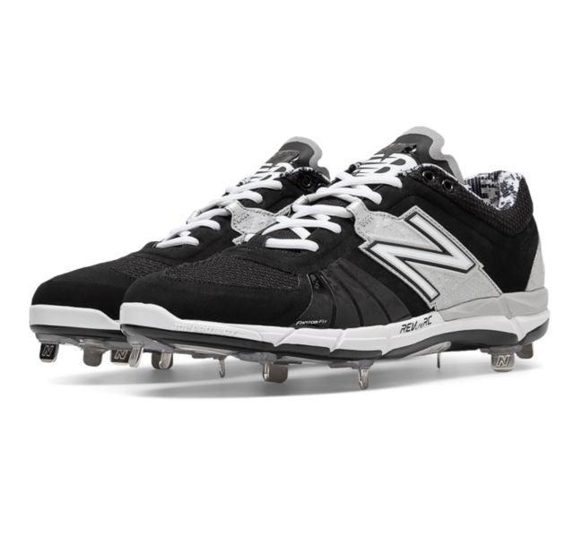 New Balance Metal Baseball Cleats Size 7