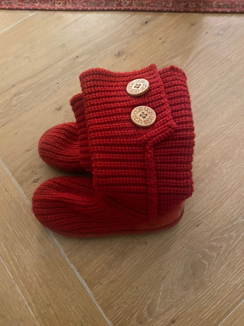 Girls Red Sweater UGG Boots sz 13