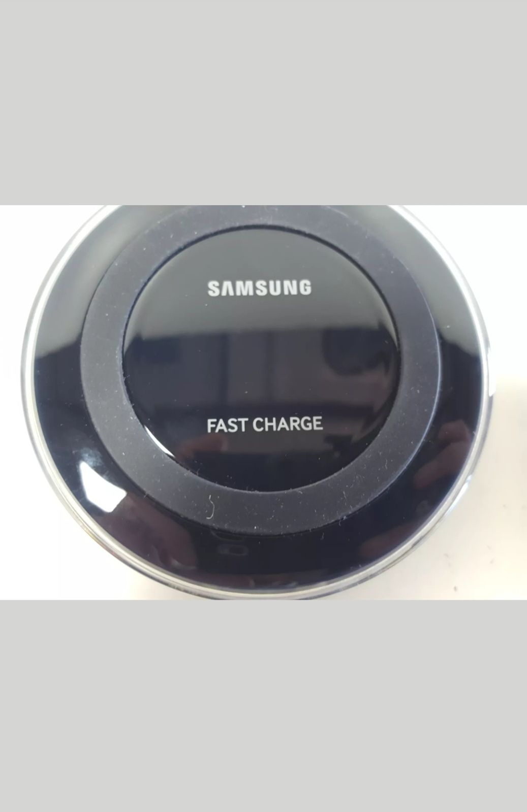 Samsung PAD CHARGER WIRELESS Puck w/USB