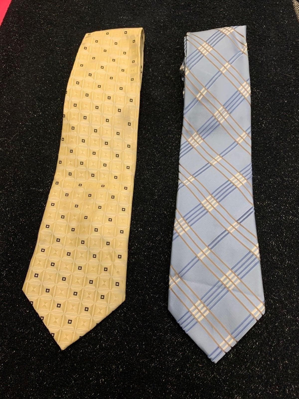 Michael kor and courage  Tie