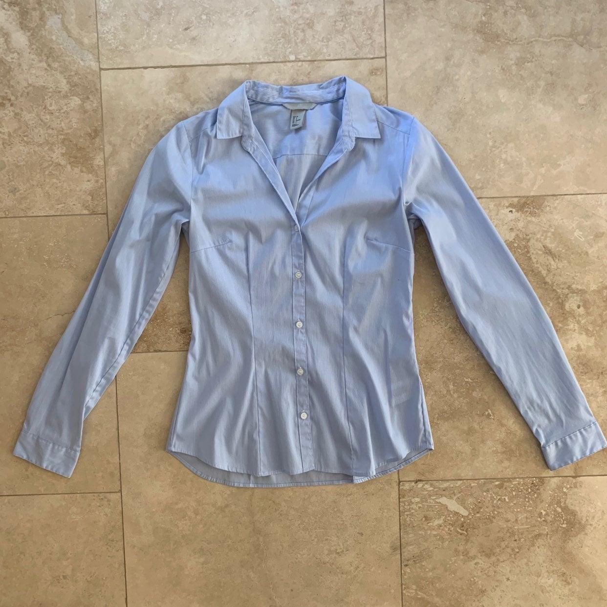 H&M button down collared dress shirt