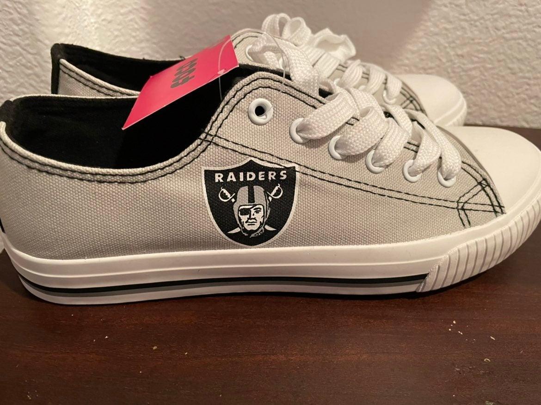 Raiders men's shoes size 7