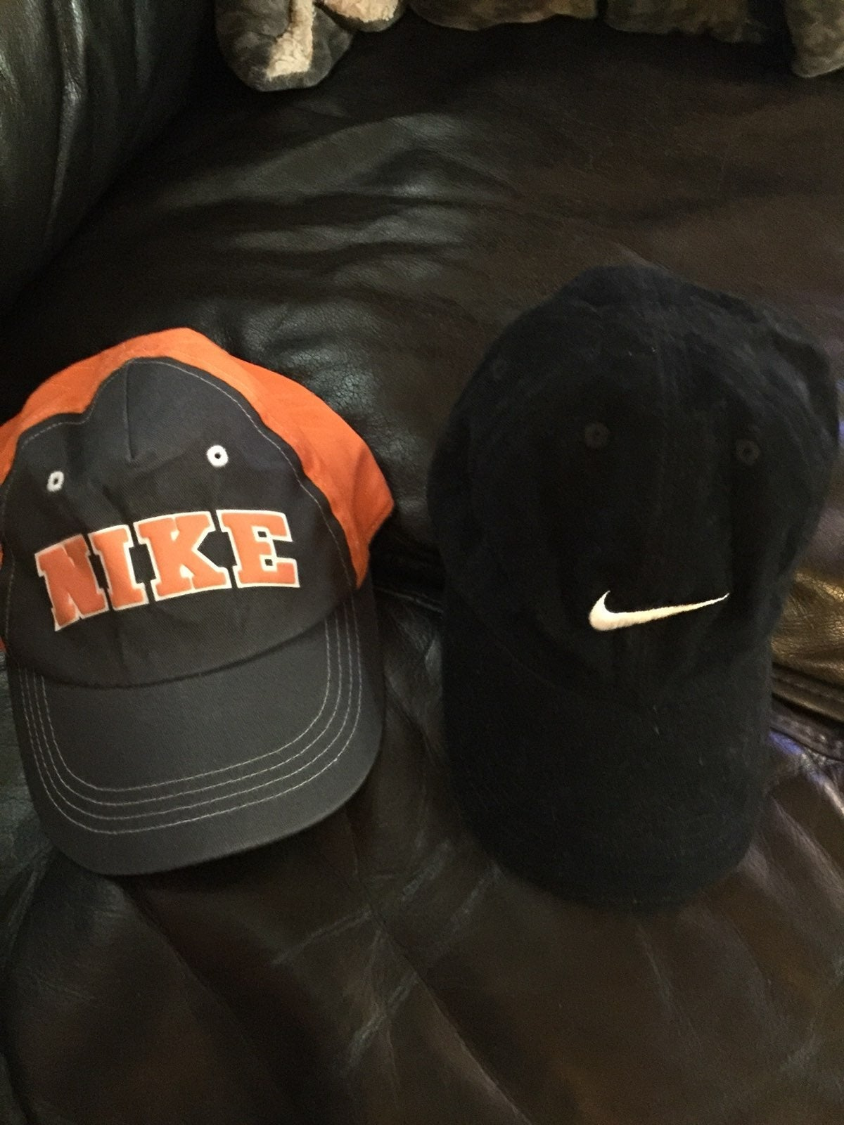 2 Nike childrens hats - very good condit