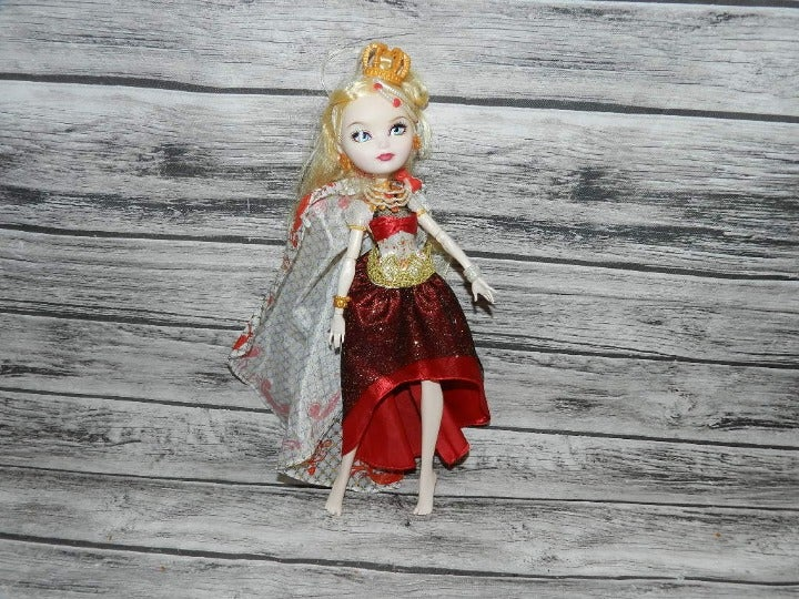 Ever After High APPLE WHITE Legacy Day