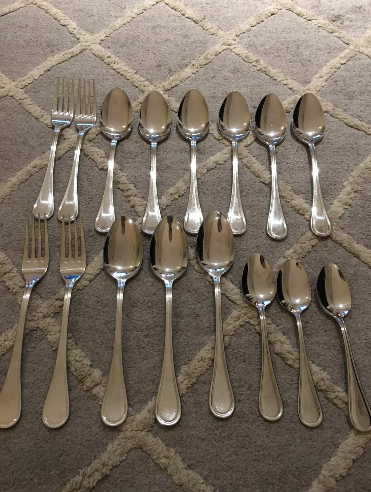 26 pieces wallace set knives spoons fork