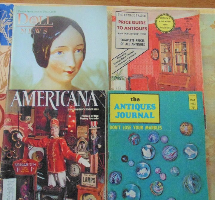 VINTAGE COLLECTORS MAGAZINES 4 IN LOT