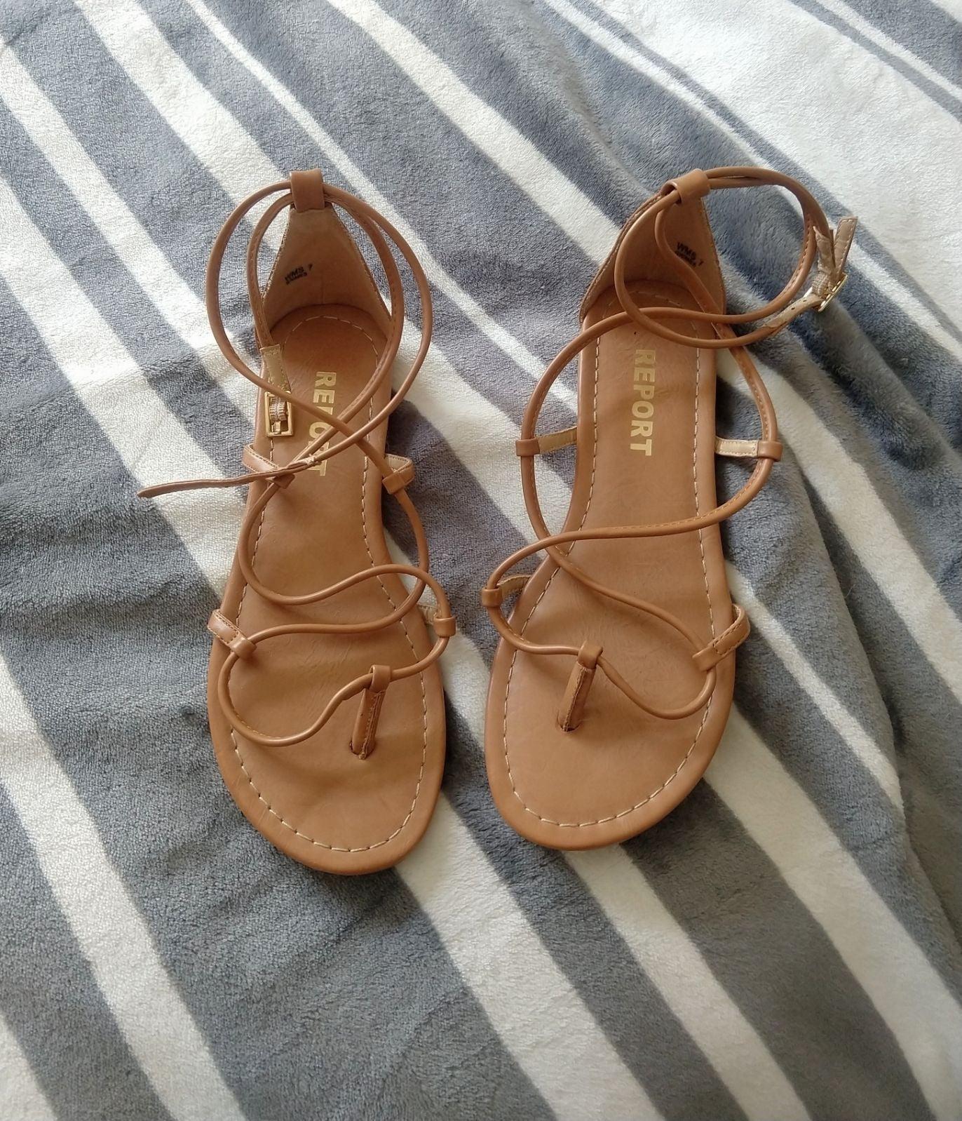 Report Sz 7 Sandals NWOT