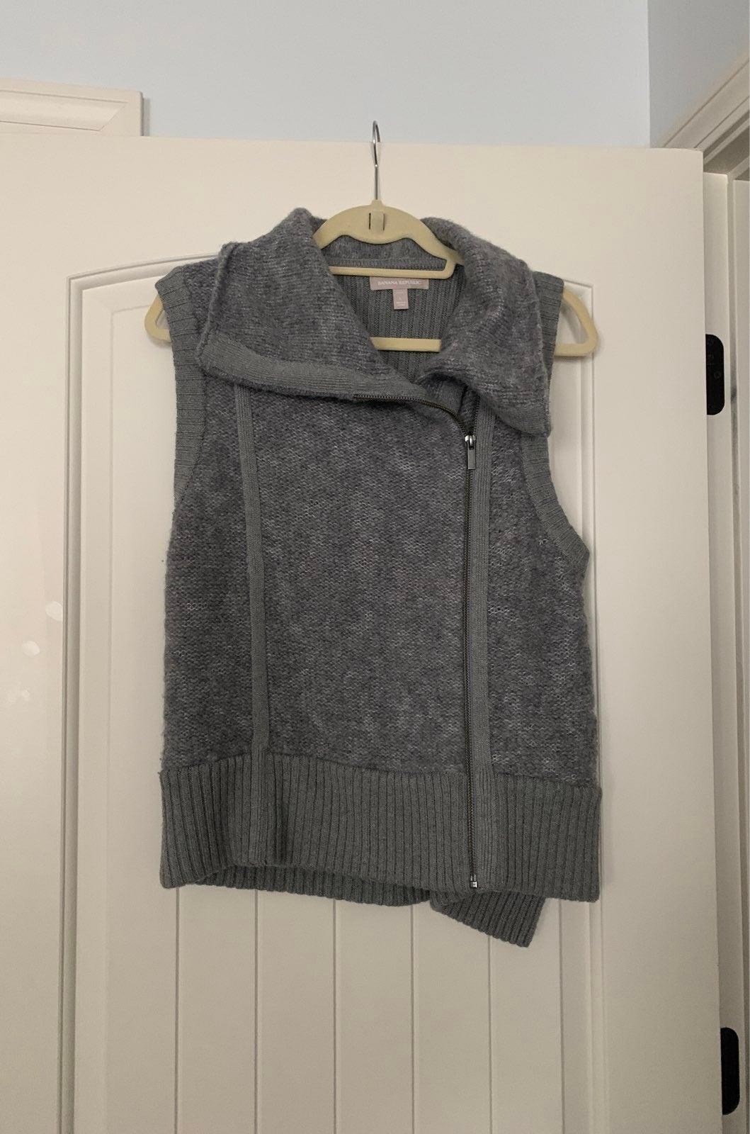 Banana Republic grey vest