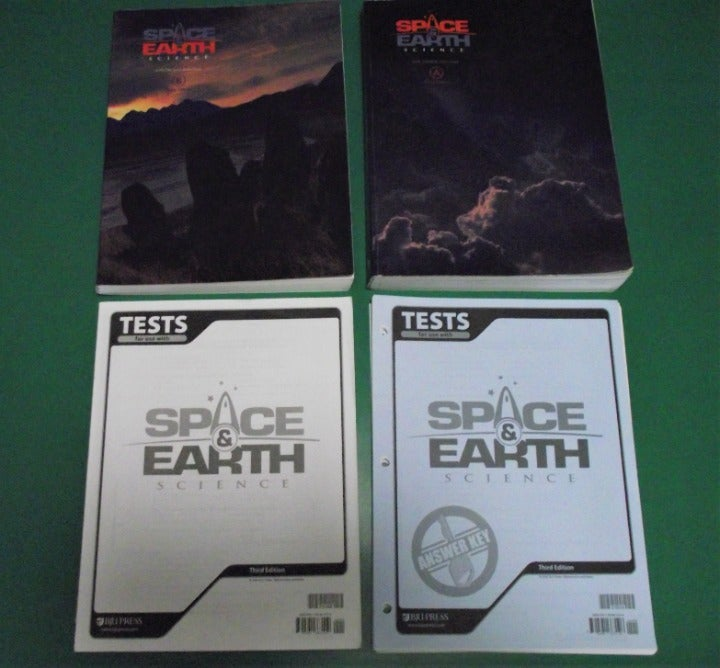 SPACE & EARTH Science 3rd Grade books
