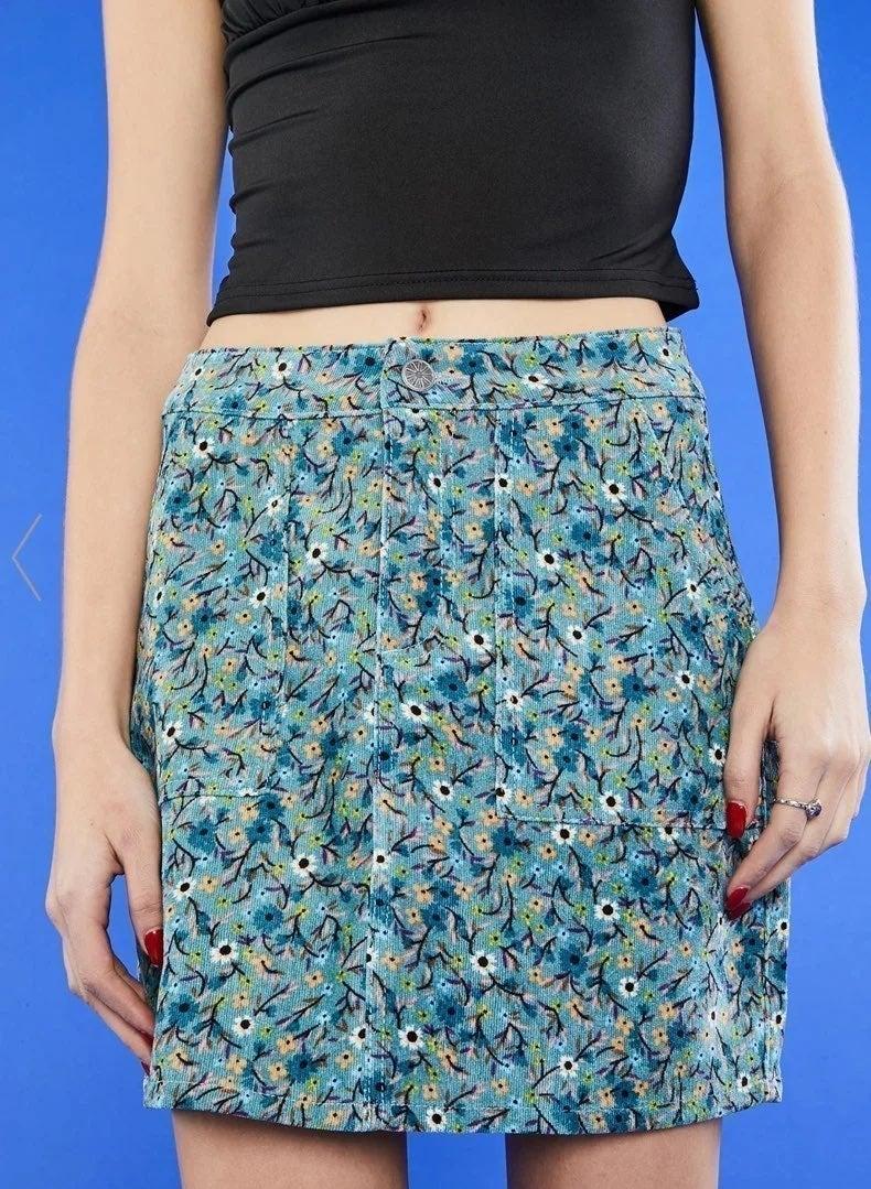 delias floral mini skirt!