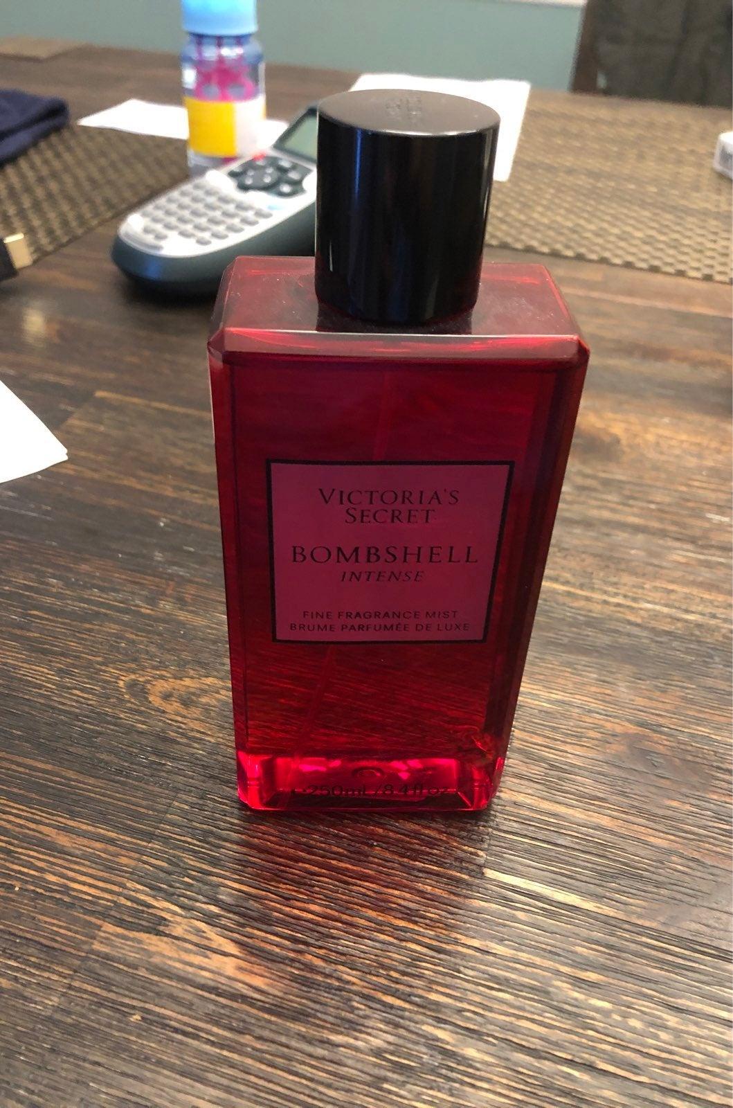 Victoria's Secret Fragrance Mist Bombshe