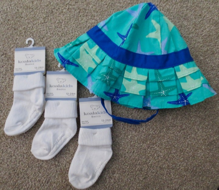 12-24 Mo Sun Hat GYMBOREE 3 pr New Socks