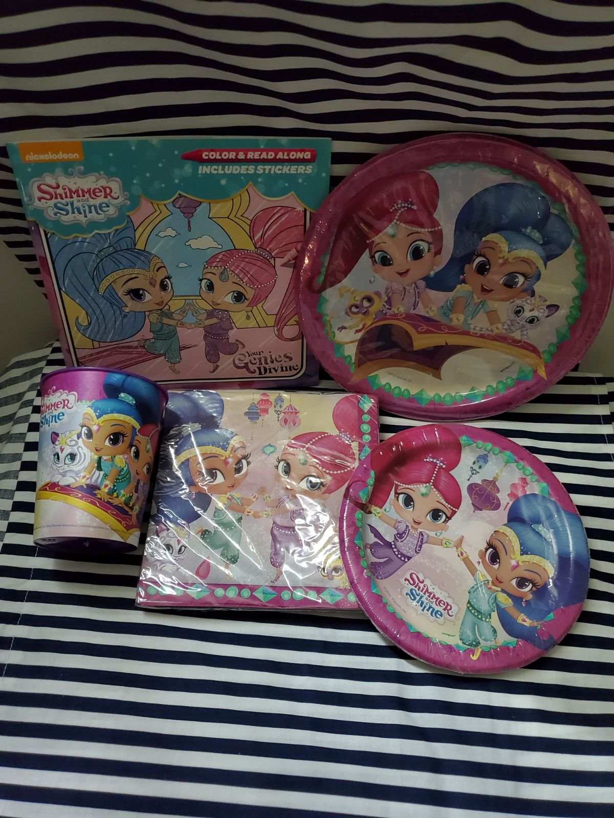 SHIMMER AND SHINE PARTY SET FOR 56 PEOPL