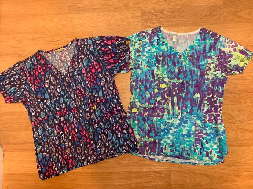 WonderWink and bio scrub tops size S