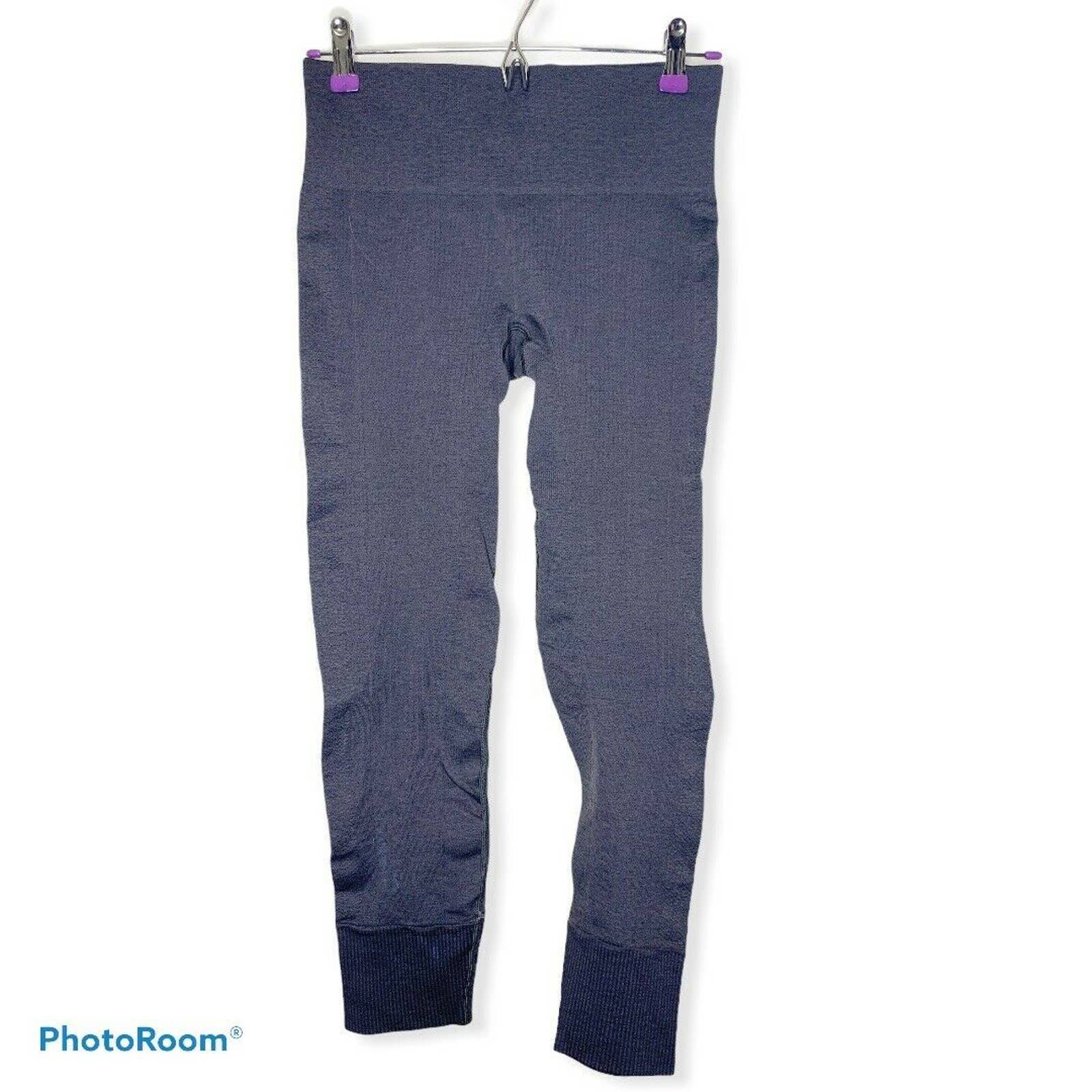 Lululemon grey ribbed leggings size 6