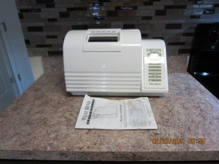 WEST BEND Homestyle Plus~ Automatic Bread Dough Maker Machine 2lb Loaf 41088