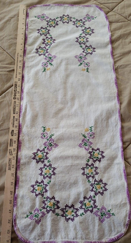Vintage Embroidered Tablerunner