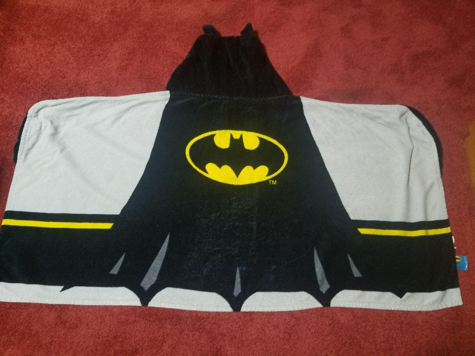 2 Batman hooded towels