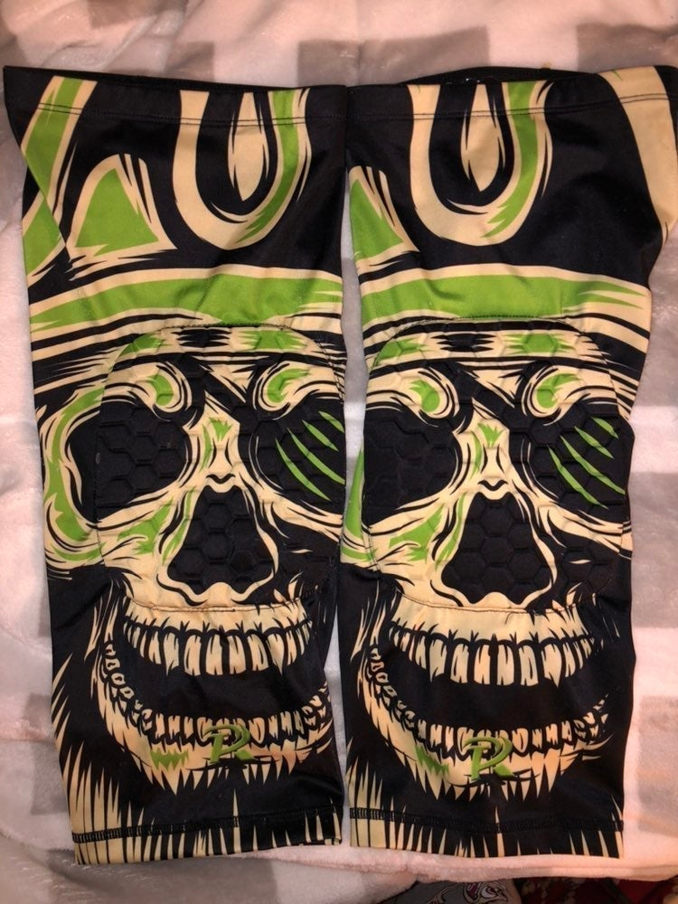 NWOT Hex padded leg sleeves
