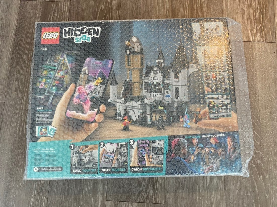 Lego Hidden Side Castle 70437